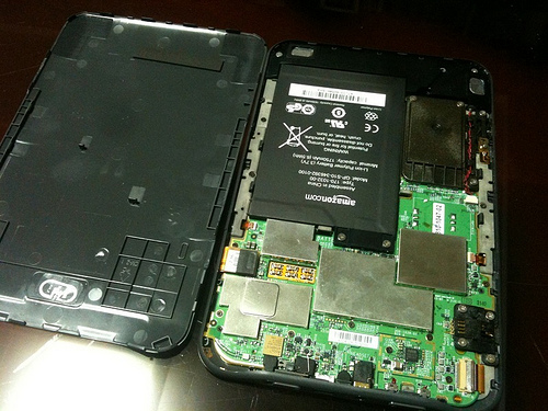 Disassembling and fixing Kindle 3