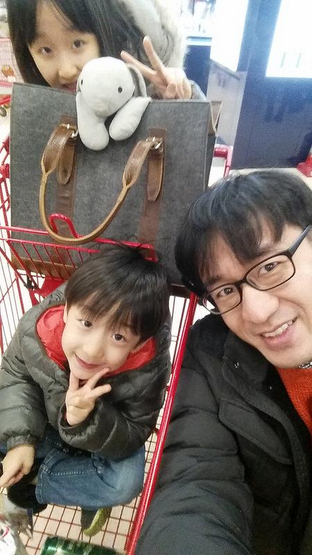 부산행 기차 타기 전, 서울역 롯데마트